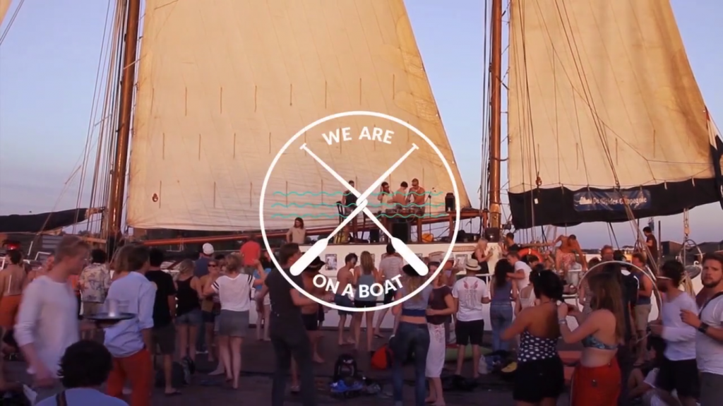 We are on a boat © littlenicethings